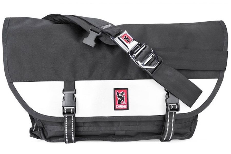 Santafixie buy chrome industries citizen messenger bag in black jpg 900x600 Chrome  messenger bags ec8797ca9b21d