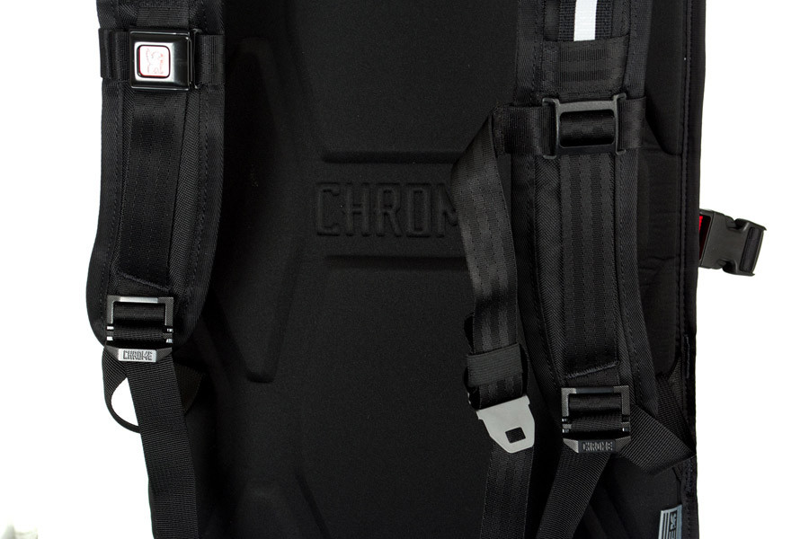 Chrome Industries Barrage Cargo Red Hook Crit Backpack